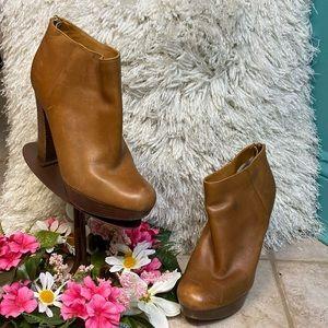 MICHAEL Micheal Kors Boots Women size 7M